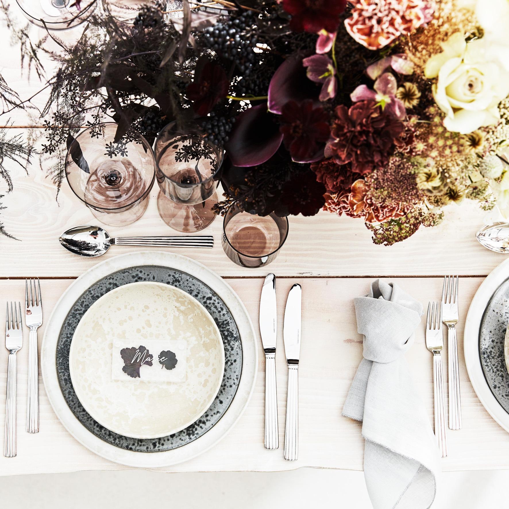 Norbords flotte Plankeborde med et bænkesæt. Foto: An Agency